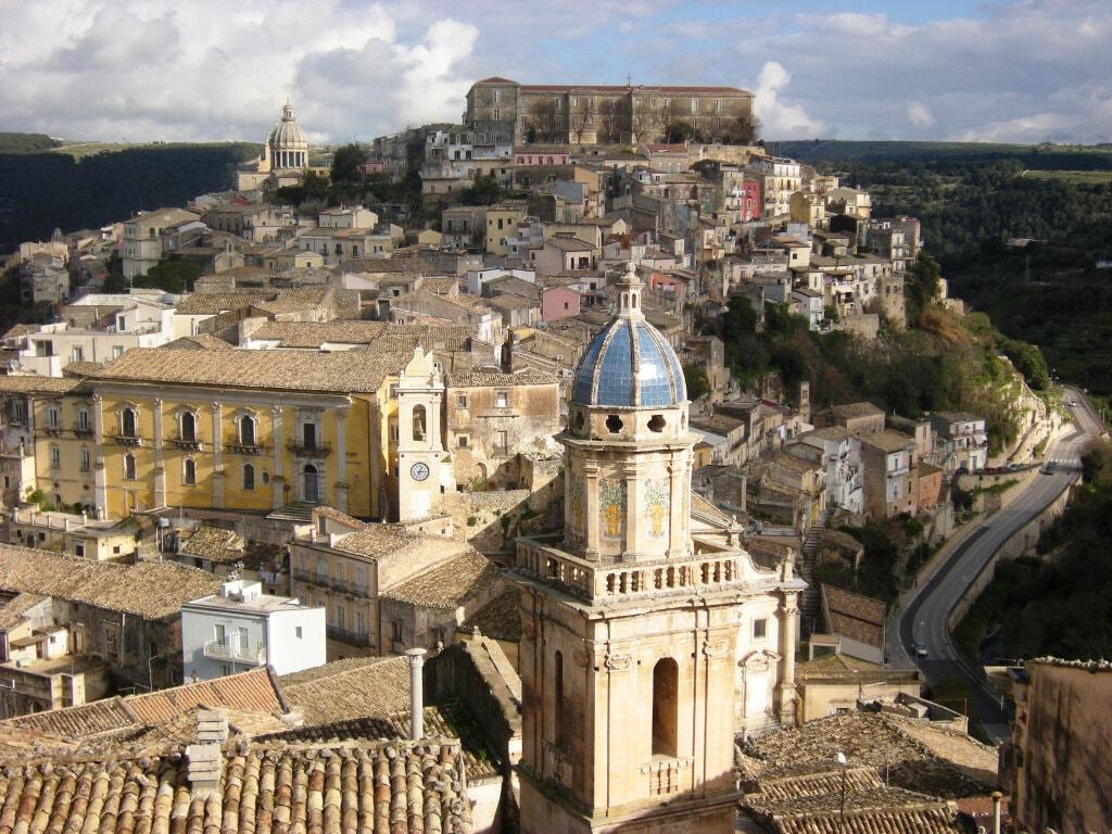 ESCURSIONE RAGUSA: 3 ORE BAROCCO SICILIANO E WINE TOUR