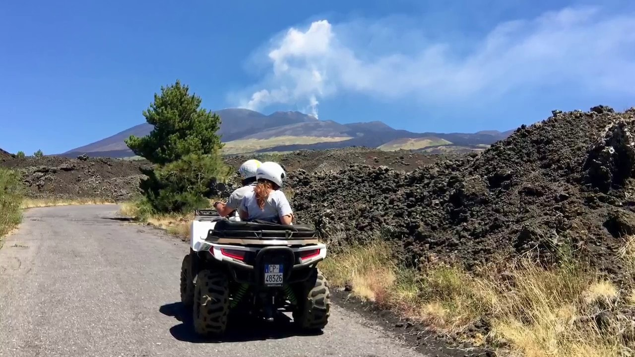 TOUR ETNA IN QUAD DA TAORMINA